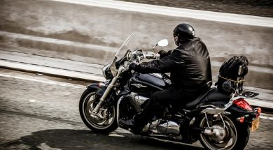 motorcycle-2268518_640